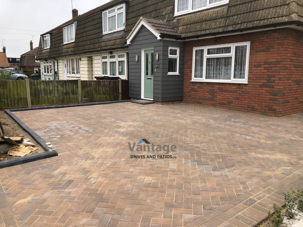 Bracken Paved Driveway with Bull-Nose Kerbs in Chelmsford