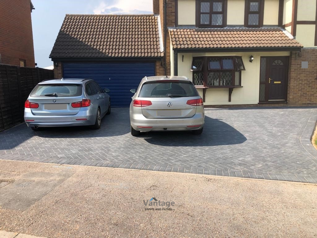 Charcoal Barleystone Paved Driveway in Chelmsford